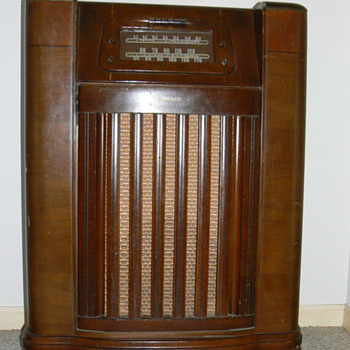 1946 Philco radio/phonograph model 46-1209