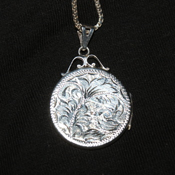 Vintage Sterling Locket - Fine Jewelry