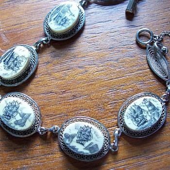 Scrimshaw bracelet - Costume Jewelry