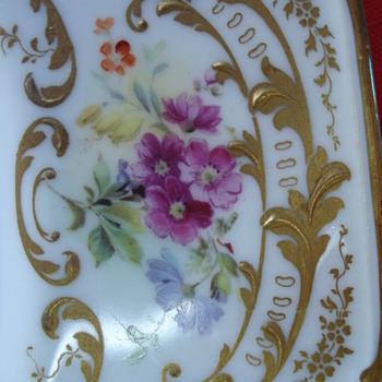 Wonderful Royal Doulton 1915 plate - China and Dinnerware