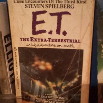 1982 E.T. Book