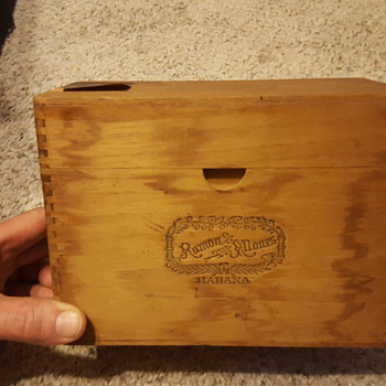 Cuban Cigar Box - Tobacciana