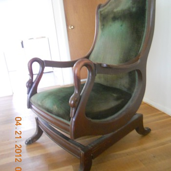 1840 - 1850 Rocking Chair seems to be all original...you tell me - Furniture