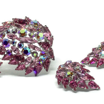 Sherman Pink Paisley Brooch & Earrings - Costume Jewelry