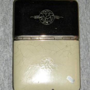 Richard Hudnut enamel compact/cigarette case - Accessories