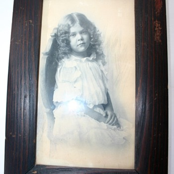 Old Framed Image Of  A Little Girl Sketching Around Girl  - Photographs
