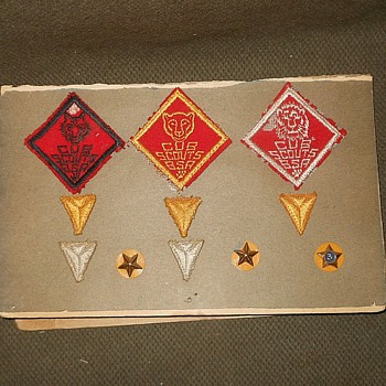 Boy Scout Cub Scout Service Pins Circa 1950s - Sporting Goods