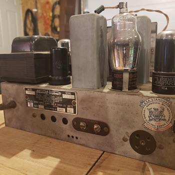1939 stewart Warner ontario R452  - Radios