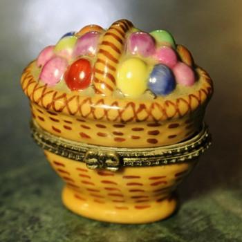 Tiny Easter Basket Bonbonniere - Pottery