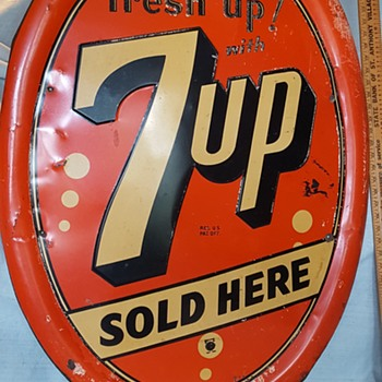 7-up Oval Sign - Advertising