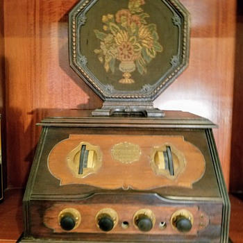 RCA Radiola #20 and Iconic RCA Speaker #100 - Radios