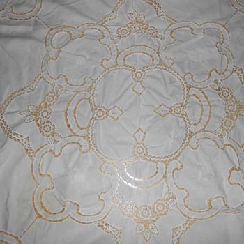 Tablecloth White Battenburg Lace 39 3/4'' x 38 3/4''