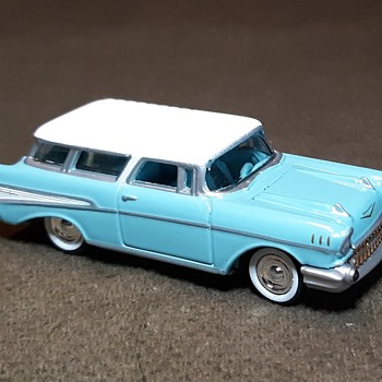 Johnny Lightning Tri Chey 1957 Chevrolet Nomad Grand Finale - Model Cars