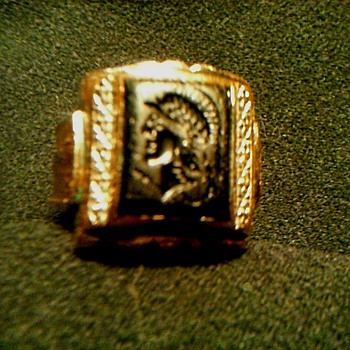 "Vintage ""Uncas"" Mfg. Co. 10K Gold Filled Men's Intaglio Pinkie Ring/ ""U"" & Arrow Mark/Circa 1930-40 - Costume Jewelry"
