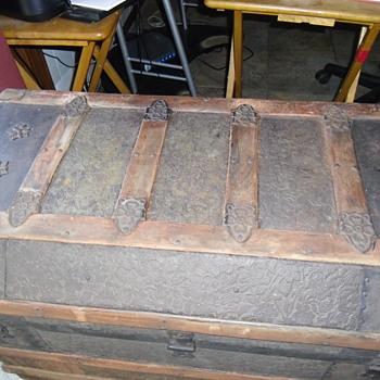 My Grandmothers trunk - Furniture