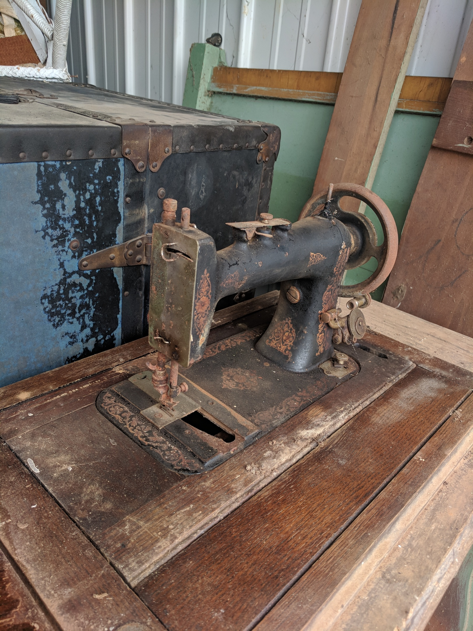 Help Identifying Treadle Sewing Machine | Collectors Weekly