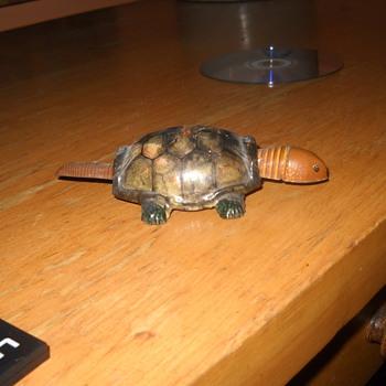 Tin Turtle - Toys