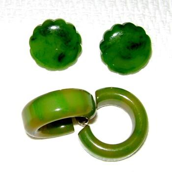 Bakelite Earrings - Costume Jewelry