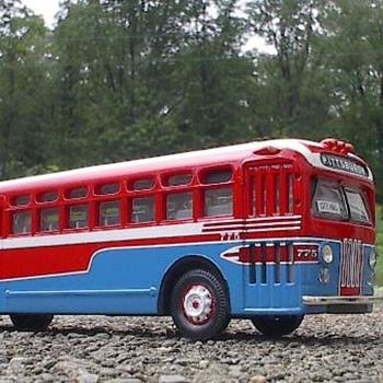 Harmony Short Line Bus - Model Cars
