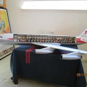 1 25 Metal Convair 880 TWA Cutaway Model - Advertising