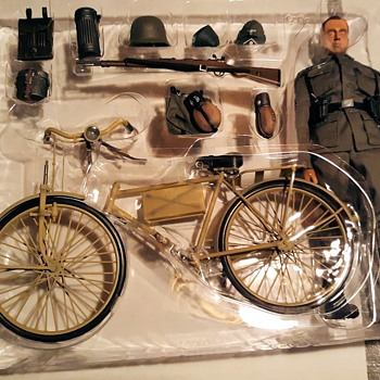 Dieter The Bicycle Riding World War Two German Soldier Part Two In Color! - Military and Wartime