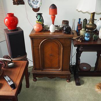 1929 Atwater Kent Restored - Radios