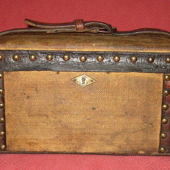 Early 19th Century Doctor's Medicine Chest