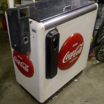 Can anyone tell me a little more about this Coke Machine? - Coca-Cola