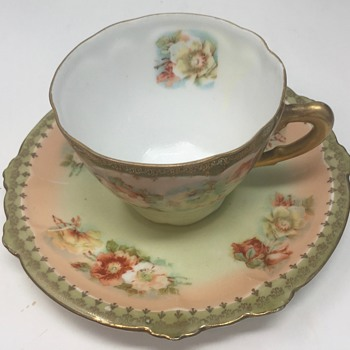 ANOTHER BEAUTIFUL MYSTERY..... - China and Dinnerware