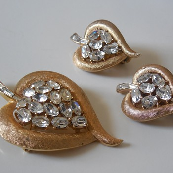 Some Trifari I found this weekend: - Costume Jewelry