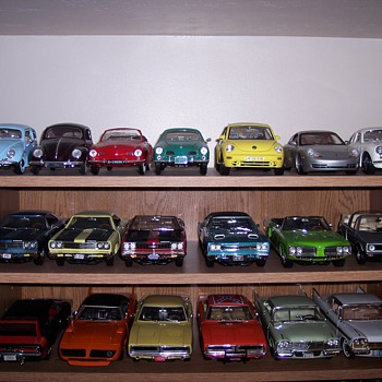 More 1/18 diecast vehicles