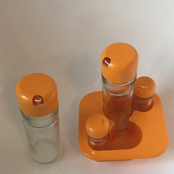 Valira condiment salt and pepper bottles. - Kitchen