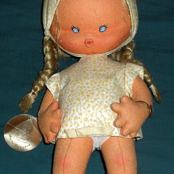 Wonderful Mary Vazquez Cloth Doll from Spain  1970-1980's