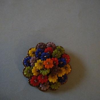 Vintage plastic flowers brooch - Costume Jewelry