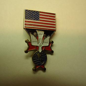 U.S.A. FLAG -KNIGHTS OF  COLUMBUS -PIN.