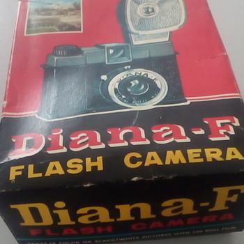 Diana-F Flash Camera - Cameras