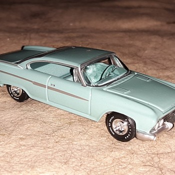 Auto World True 1:64 Scale 1961 Dodge Dart Phoenix - Model Cars