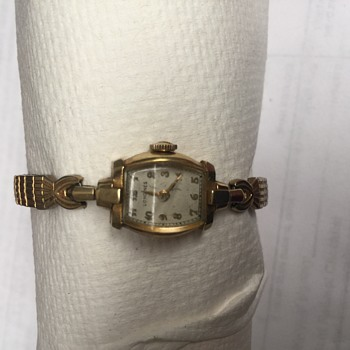 Vintage ladies longings 14k gold watch  with inscription on the back
