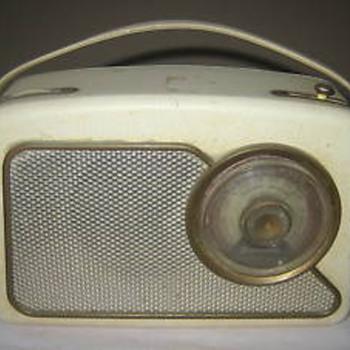 Dansett RT111 Portable transistor radio - Radios