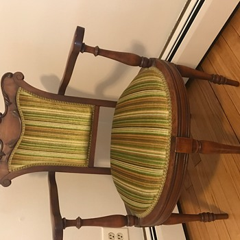 5 legged chair