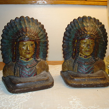 Indian book ends - Books