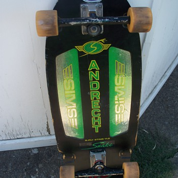 my old skateboard - Sporting Goods