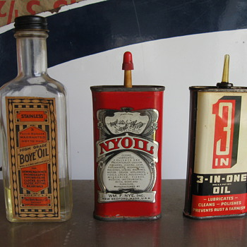 Old oil cans from Estate sale - Petroliana