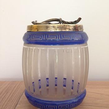 """Baccarat biscuit box """"grec"""" - Art Nouveau"""
