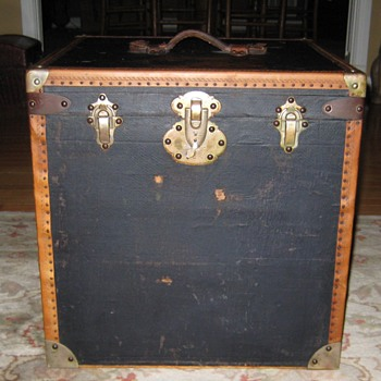 Early 1900's French Hat Trunk - Furniture