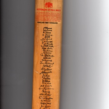 Gradidge made in England, Imperial Driver Commerative Minature Cricket Bat signed 1963 test veterans - Sporting Goods