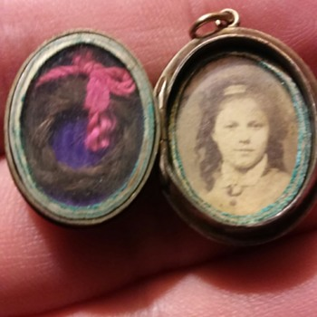 Mourning Locket! - Victorian Era