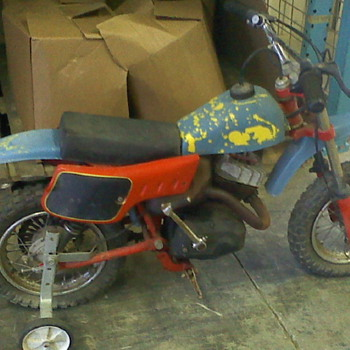 ITALJET MOTO 53-10623 MINIBIKE WITH TRAINING WHEELS - Motorcycles