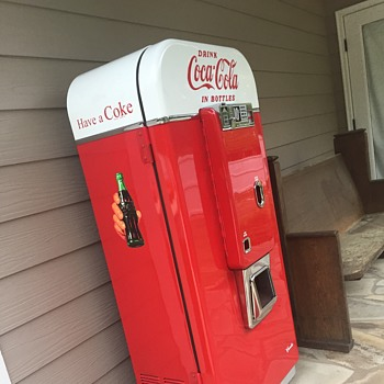1950's Vendo 80 Coke Machine Restoration - Coca-Cola
