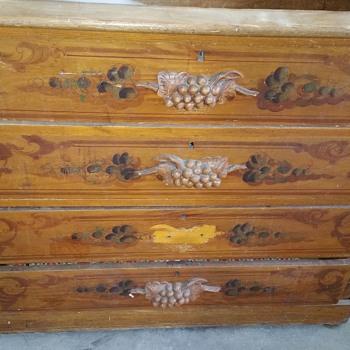 Old dresser - Furniture